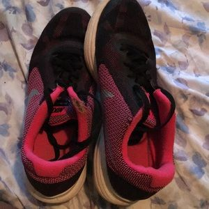 Nike Revolution Size 5Y